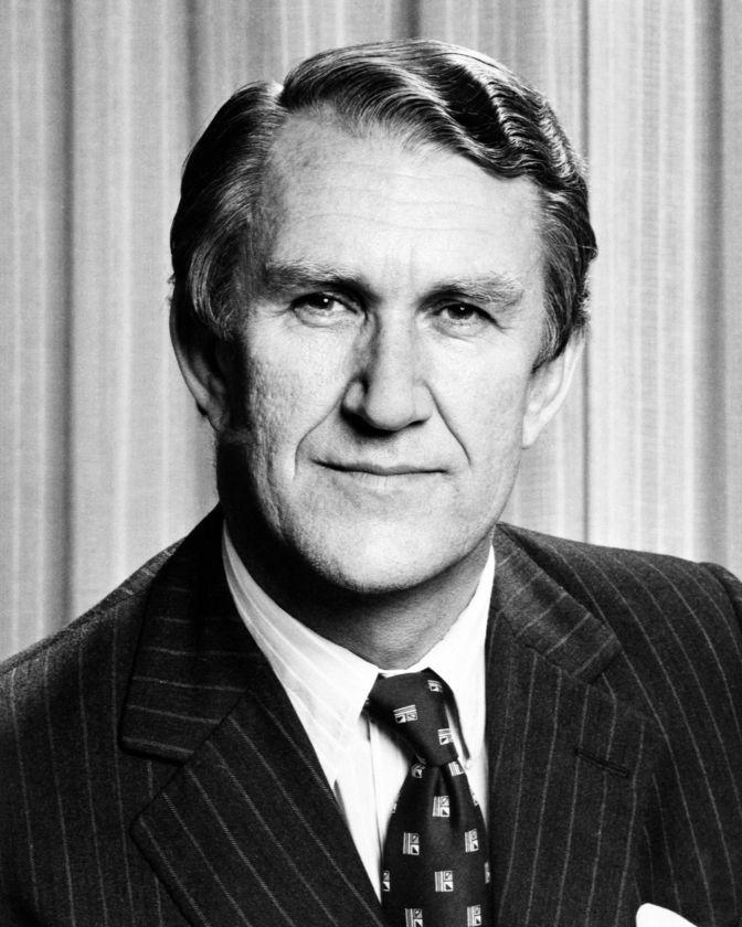 Malcolm Fraser passes away, age 84 (Australia's prime minister 1975-1983) RIP