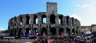 CARTELES Torismo y figuras, argumento y remate    Arles presenta su temporada - Mundotoro.com