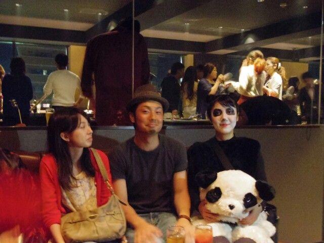パンダと結婚する2人