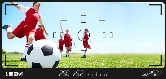 Sportfotografie im Fußball erfordert daher große Brennweiten. 200mm sollten es schon sein, 300mm sind noch besser.