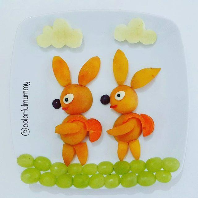 Tavşanlar da yüzme kursuna gidiyormuş... These rabbits are going to swimming course as we do... Kayısı, üzüm, havuç, peynir, zeytin, elma... Apricot, grapes, carrot, cheese, olive, apple... #bunny #apricot #grapes #salad