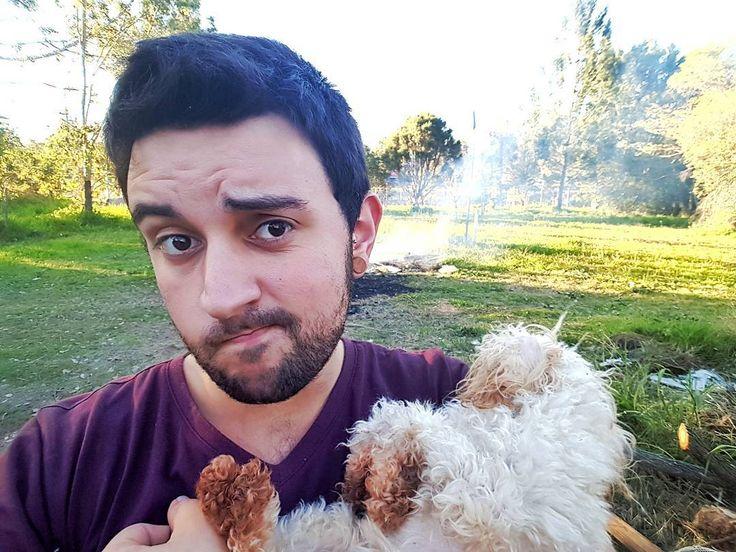 Doña Cass encargada con vigilar la fogata .        #brisbane #australia #winter #selfie #communism #DOG #puppy #gaybrisbane #gayaustralia #gayboy #gayusa #scruff #barba #beard #coffee #hairy #vscocam #vsco #gaynyc #nature #gaymexico #gaychile #gayespaña #gaybrasil #gayargentina #gaycolombia #gaylatino #bringtheboystogether