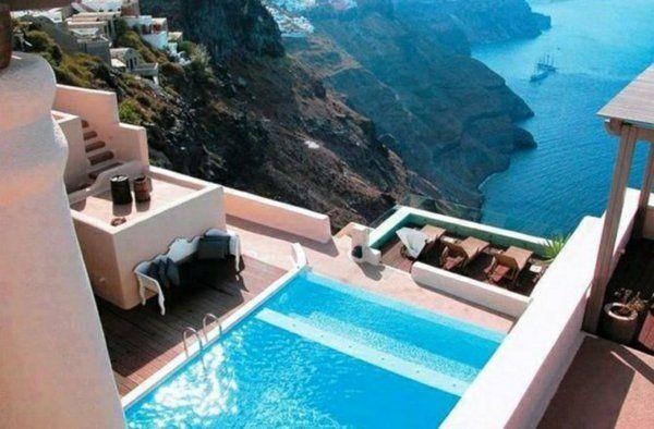moderne terrasse aus stein unt integriertem pool
