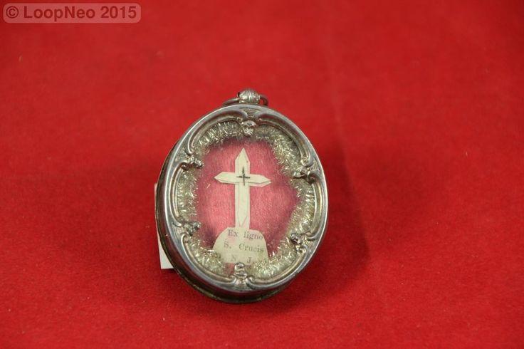 SOLD Relicario Vintage  http://r.ebay.com/IPWbsP vía @eBay #ebay #Brocanter #Oddities #Antiques #retro #Vintage #religión