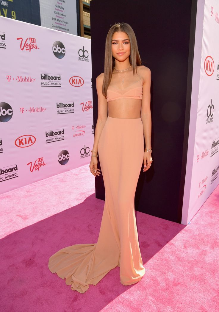 Billboard Music Awards 2016: Rihanna, Ciara, and More on the Red Carpet - Billboard Music Awards 2016-Wmag