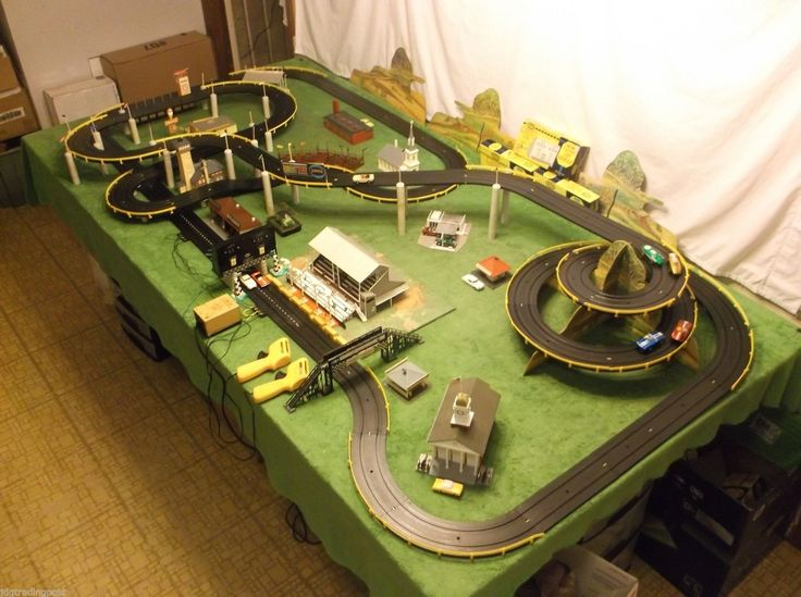 Slot cars racing sets