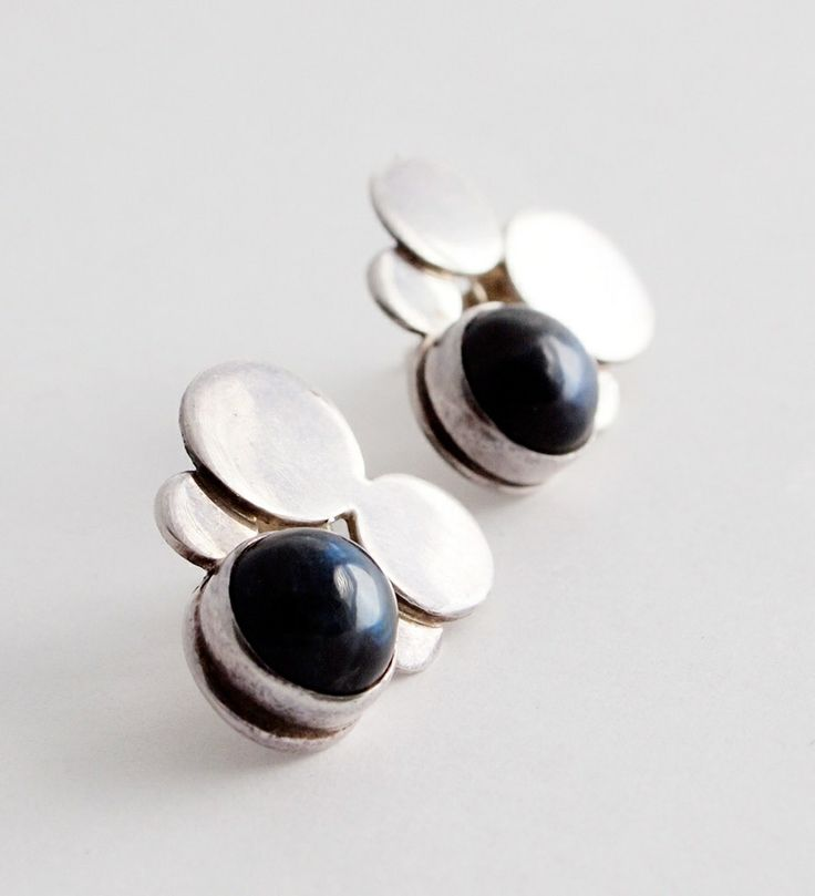 Kaunis Koru, vintage sterling silver earrings with spectrolite, 1973. | Hopea20.com Finland.