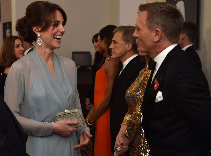 007 Reunion from Kate Middleton & Prince William Meet Celebs October 2015: Kate chats with Daniel Craig at the premiere of the James Bond movie Spectre in London.