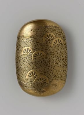 Japanese Inro 1700 - 1800. An inrō is a traditional Japanese case for holding small objects, suspended from the obi, or sash. Because traditional Japanese clothing lacked pockets, and inro came in handy to carry small daily accessories //