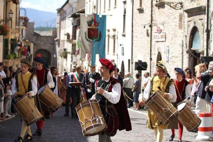 Il borgo rivive l'atmosfera del Rinascimento a Monteleone di Spoleto