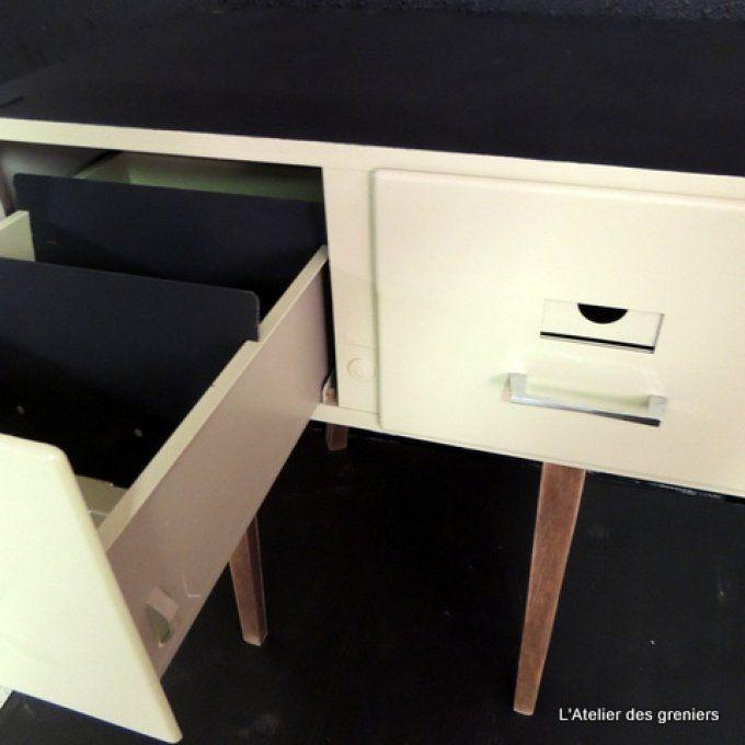 les 25 meilleures id es de la cat gorie casier m tallique sur pinterest meuble avec casier. Black Bedroom Furniture Sets. Home Design Ideas