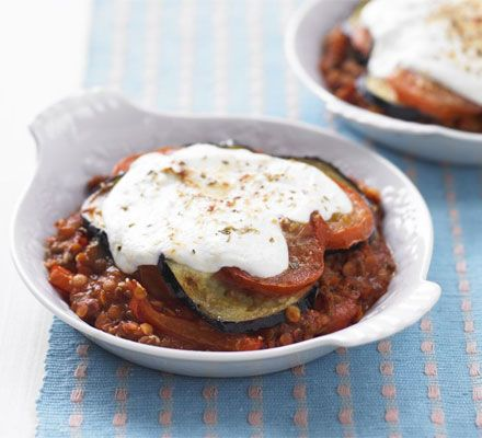 Low fat moussaka - 422 cals, 30g carbs, 20g fat, 28g protein, 13g sugar per portion.