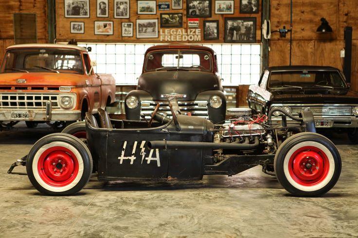 20 best images about car workshop is the vintage garage for Custom garage workshop
