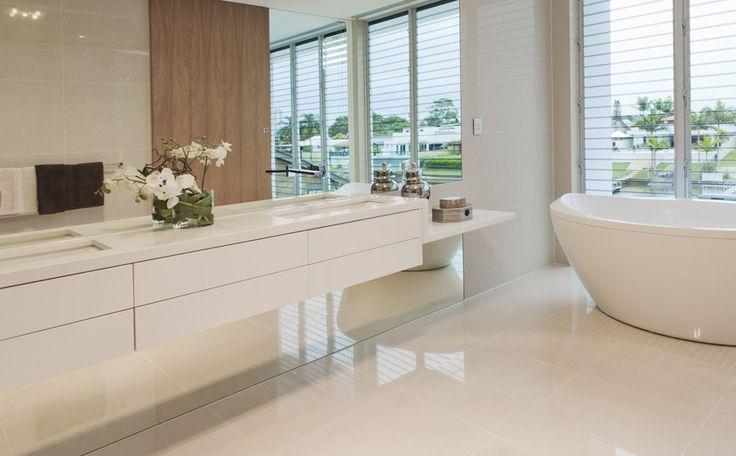 25+ beste idee u00ebn over Kleine appartement badkamers op Pinterest   Appartement badkamer decoreren