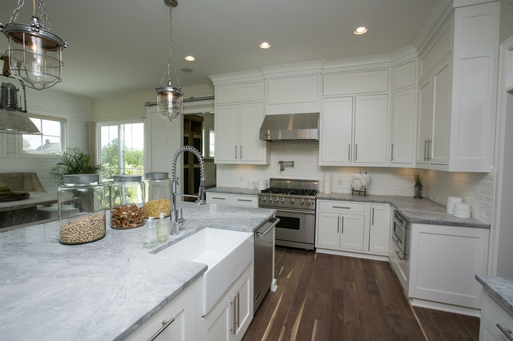 kitchen sinks and cabinets 37 best parade of homes kitchens images on 6054