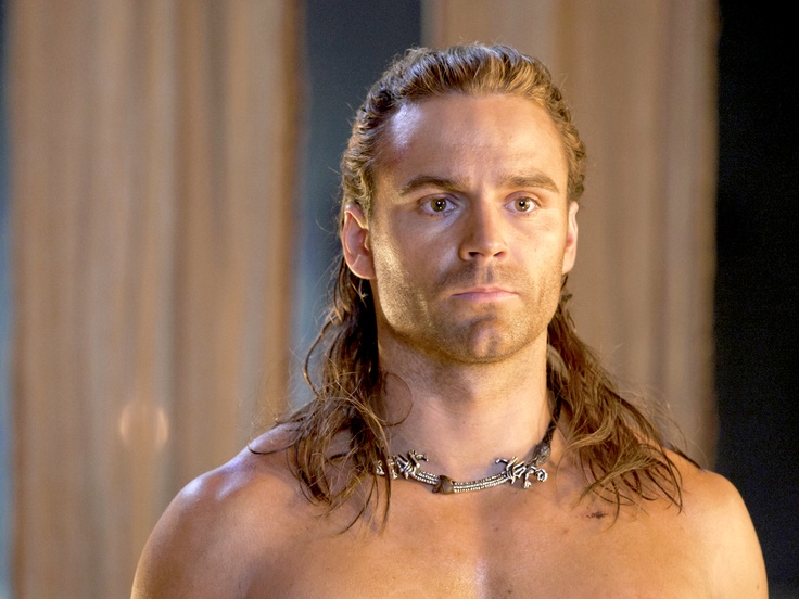 Dustin Clare from Spartacus Gods of the Arena | things ...