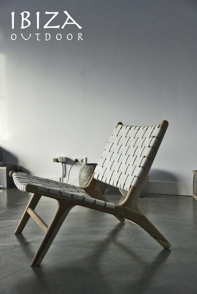 Ben er achter gekomen dat ik nog twee Ushuaia lounge stoelen met wit leer heb, die met rattan zijn uitverkocht. Leuk voor in de woonkamer. Bij interesse graag even mailen naar ibizaoutdoor@gmail.com
