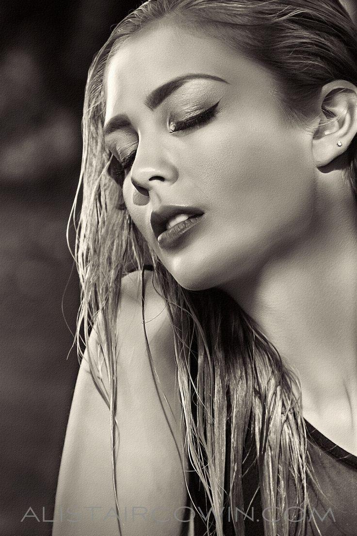 Makeup:  Rebecca Marks   /   Photos: Alistair Cowin