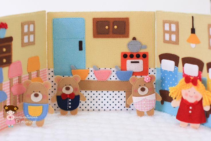 Olá, queridas e queridos!  Aqui está a casinha, personagens em dedoches: Mamãe Urso, Papai Urso e Bebê Urso e os cômodos da casa por onde a ...