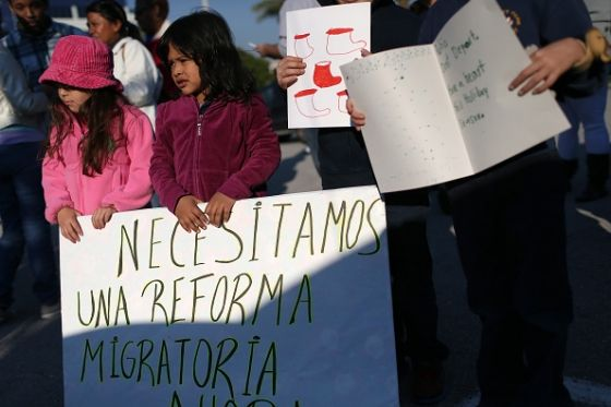 Immigration reform news 2015 - Obama administration scaling back on deportations, ICE told to only target threats : US : Latinos Post