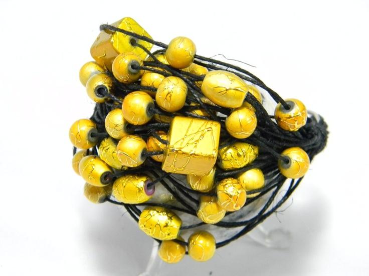 yellow in black<3