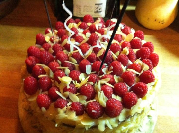 Plus de 1000 id es propos de g teaux d 39 anniversaire sur for Chambre 13 vanille et citron