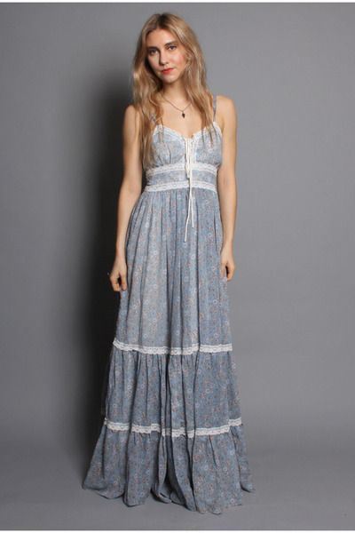 Love these feminine gunne sax dresses