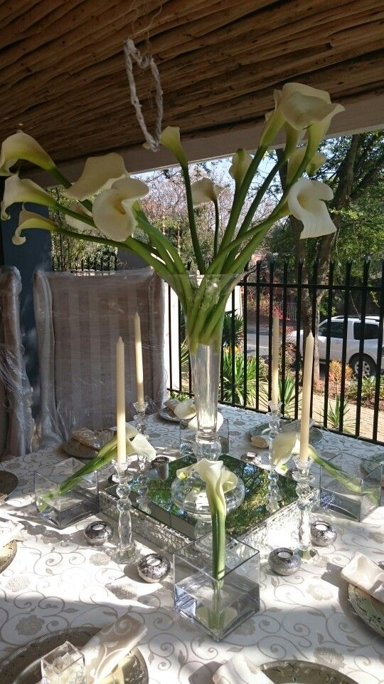Arum Lilly Table Setting