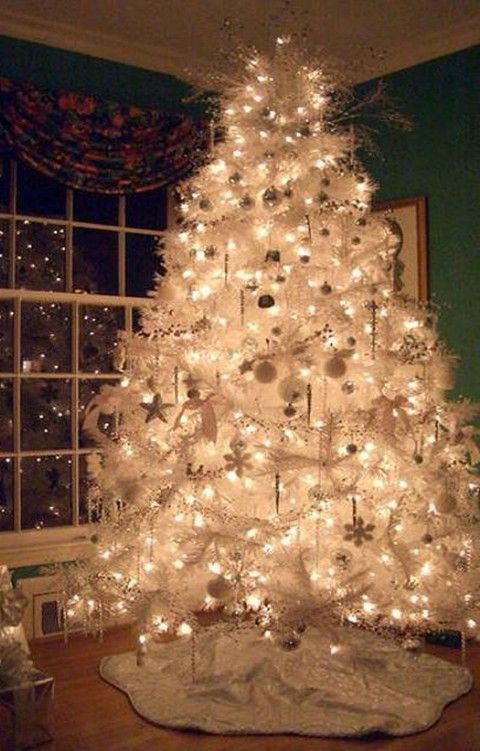 funny christmas tree decoration ideas that suit your style in 2013 wwwloveitsomuchcom - Christmas Tree Decorations Ideas 2014