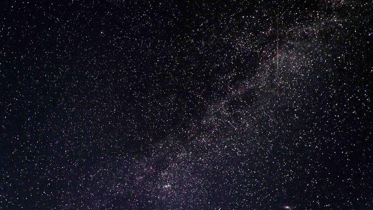 """The Fermi Paradox (1) Algumas pessoas ficam impressionadas pela beleza do céu, ou se deslumbram com a vastidão do universo. No meu caso, eu passo por uma leve crise existencial, e depois ajo bem estranhamente por meia hora. Cada um reage de um jeito diferente.  O físico Enrico Fermi também reagia diferente, e se perguntou: """"cadê todo mundo?"""""""