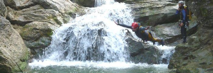 Rafting & Canonying  Diese exklusiven Events haben alles was Sie brauchen: Teambuildingcharakter, Action pur, Abenteuer und ein großes Maß an Spaß und Freude!  http://www.sports-proemotion.de/angebot/rafting-canyoning/