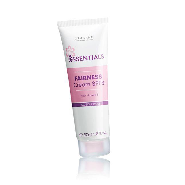 Essentials Fairness Cream SPF8 Krim yang bantu melembabkan, mencerahkan, dan melindungi dengan komples pencegah kulit vit E, dan SPF 8. Untuk semua jenis kulit..  RP 19.000 KHUSUS AGUSTUS 2013  HUB 0857 1722 1400
