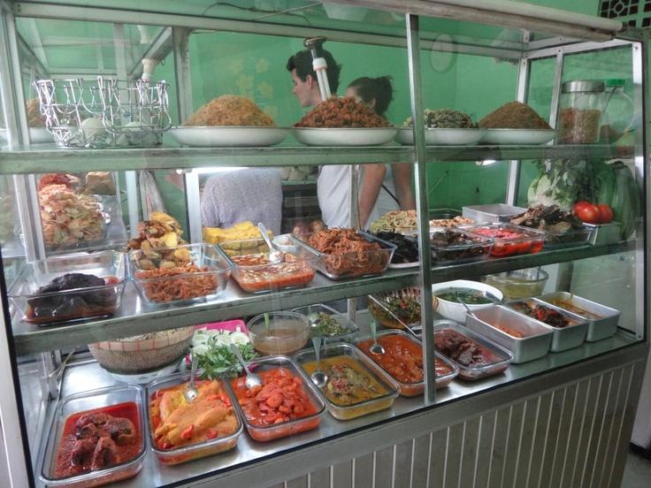 a culinary delight MASAKAN PADANG YUMMMMO!