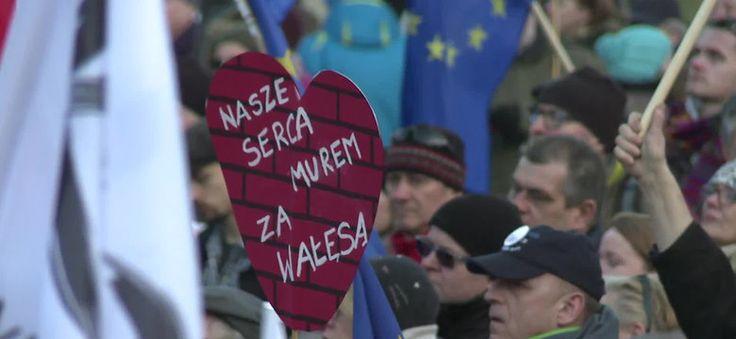 """W Gdańsku odbył się wiec poparcia dla Lecha Wałęsy. On nikogo nie sprzedał"""""""