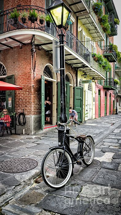 Pirate's Alley in the French Quarter ~ New Orleans, Louisiana