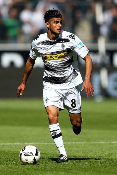 Mahmoud Dahoud of Moenchengladbach runs with the ball during the Bundesliga match between Borussia Moenchengladbach and FC Augsburg at Borussia-Park on May 6, 2017 in Moenchengladbach, Germany.