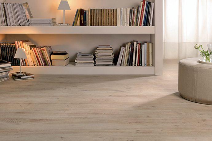Natuurgetrouw keramisch hout van 20x180, flexibel dus goed te leggen (03, Tegelhuys)