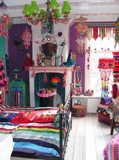 Crazy bohemian colors and textures - beautiful hippie bedroom
