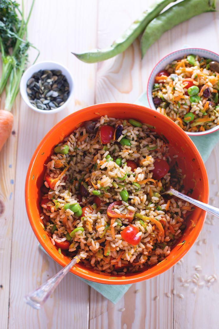 Con la ricetta dell'insalata di #riso integrale conquisterete anche i vostri amici più scettici, convinti che un piatto salutare non possa essere anche delizioso! ( #brown #rice #salad ) #Giallozafferano #recipe #ricetta #insalata #summer