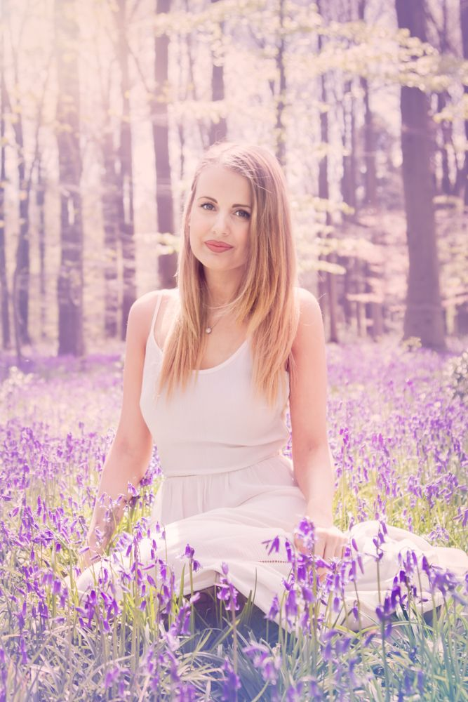 bluebell mini| female portrait| bluebell photo shoot| hampshire photographer