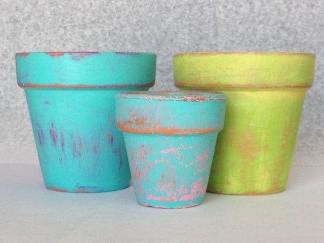 Crafts: DIY: Distressed Painted Terra Cotta Pots, Fun and easy way to add some extra color outdoors. By: ⒽⒺⓎ ⓈⓌⒺⒺⓉ ⓜⓄⓃⓀⒺⓎ