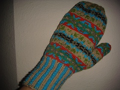 I want to try the Fair Isle pattern. Not sure whether to make a pair of mittens like this or something else. This is a Debbi Bliss pattern.