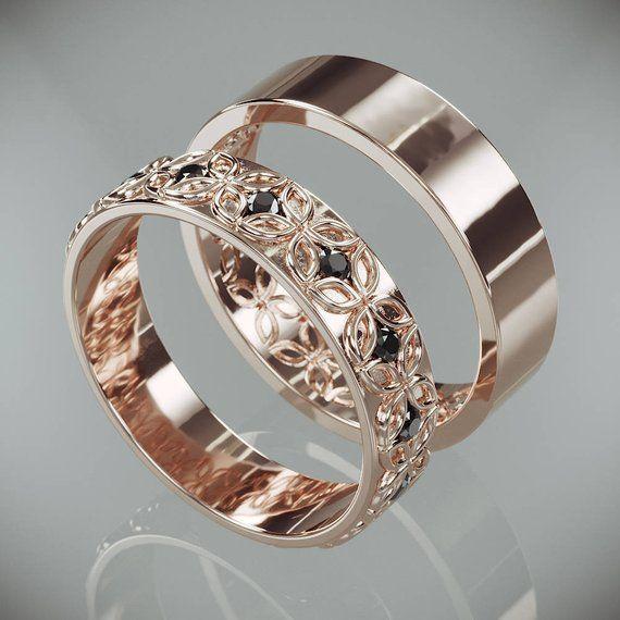 14K Rose Gold Celtic Flower Wedding Rings Set with Black Diamonds (fr) His and Hers Celtic fleur Wedding Bands Set with Black Diamonds