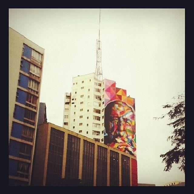 Oscar Niemeyer por Studio Kobra - Av. Paulista - São Paulo - Brasil  #kobra #grafite #sp #brasil