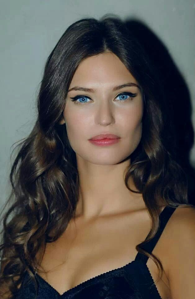 Bianca Balti... can we all tell I am obsessed with her ?