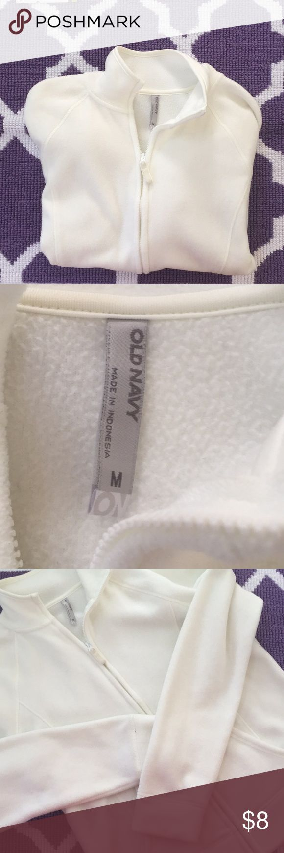 🌀OLD NAVY FLEECE🌀 Off white Old Navy fleece in used condition. Old Navy Tops