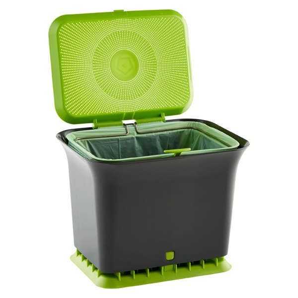 An Odor Free Compost Collector That Allows Air To Circulate