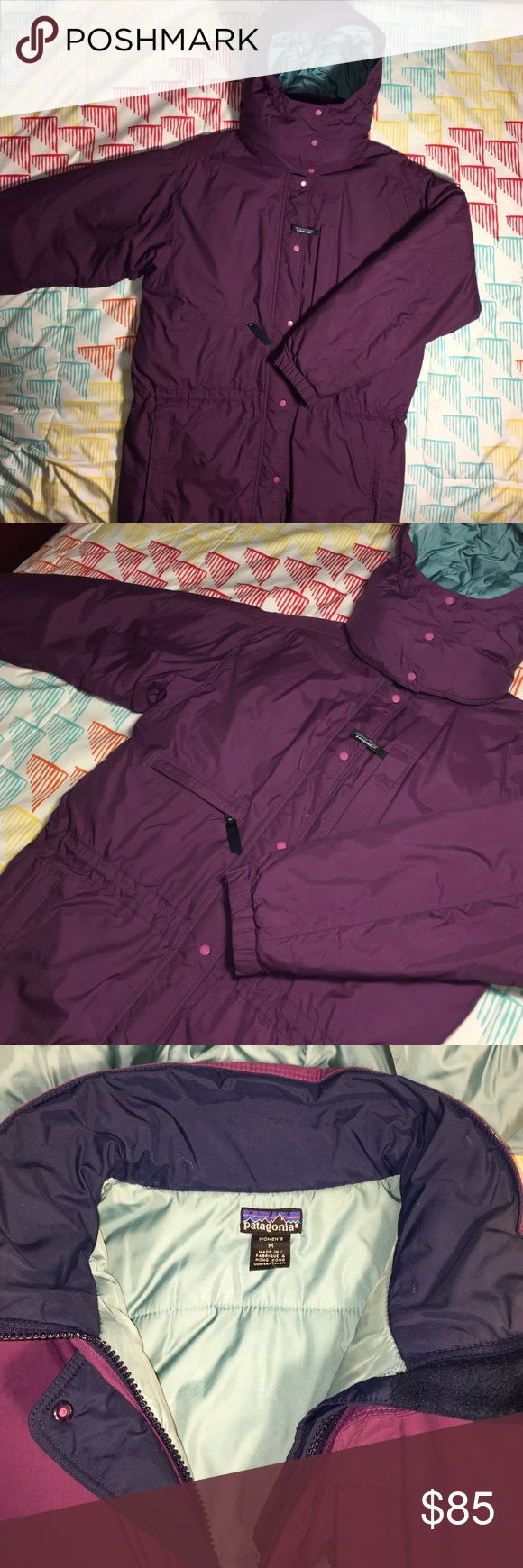 Patagonia Parka Style Womens Jacket w/ Hood Size medium -  Patagonia parka with detachable hood that zippers off. Super comfy and warm coat with elastic adjustable band around the waist line. A couple small faded markings but can only be seen when inspected up close. All in all a super great Patagonia jacket for a good price Patagonia Jackets & Coats Puffers