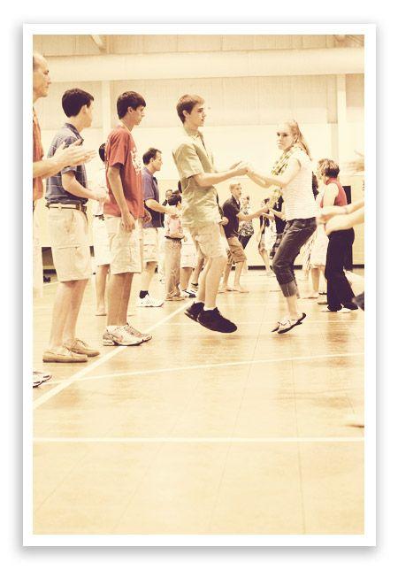 English Country Dancing | http://shewearsmanyhats.com/english-country-dancing/