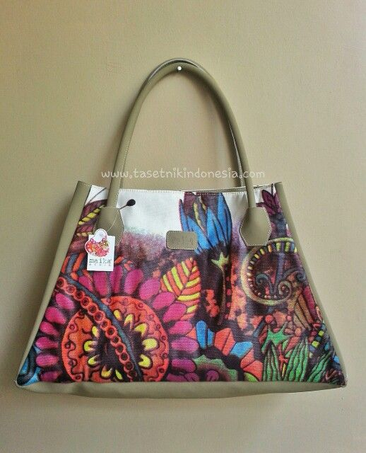 Madagascar  Ethnic bags from Maika Etnik  Made from leather dan canvas printing  $40 Www.tasetnikindonesia.com